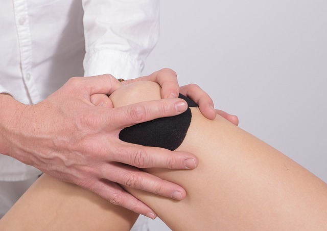Can flat feet cause knee pain