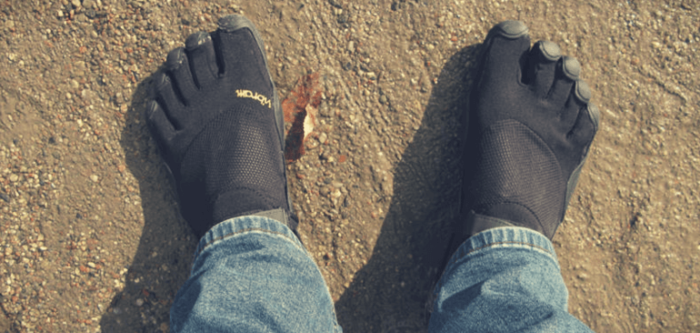 are five finger shoes good for flat feet